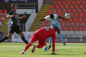 Aziz scores the first goal for Estoril Praia